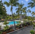 Alii Villas pool area