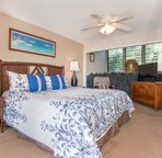 King size bed in the Spacious well ventilated bedroom!