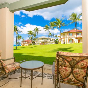 Expansive Green Belt and Ocean View from Your Lanai