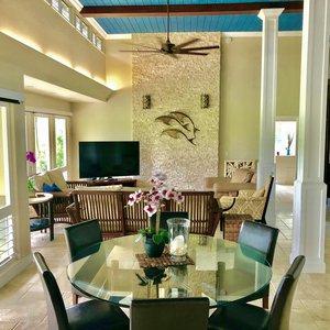 High ceilings and tasteful decor.