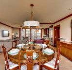 Choose to dine in the dining area, the living area or on one of two balconies. Spectacular views of the ocean and mountain views are abound.
