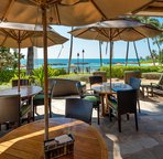 Outdoor Dining at the Beach Bar