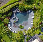 Overview of Waikoloa Beach Villas pool area