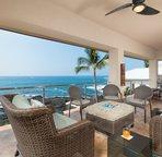 Lanai Lounge Area