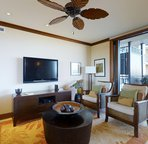 Comfortable Living Area with Ample Seating