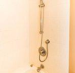 Detachable handle in shower