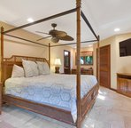 Master Suite 2 with King Bed in Mauka Wing