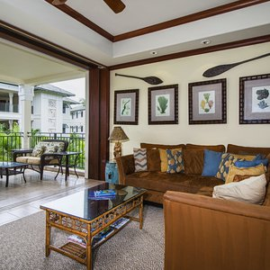 Living Area with open direct access to the lanai