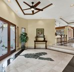 Entryway - As you walk in you see Ocean Views!