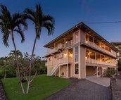 Puuwai O' Kahaluu - Mauka Suite on 2nd Floor closest to the mountain