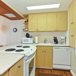 Brightly Lit, Fully Equipped Kitchen
