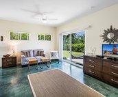 Ohana/Bonus Room Studio Living Area