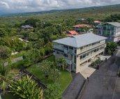 Puuwai O' Kahaluu - Mauka Suite is located on the 2nd floor