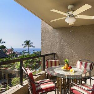 Open air lanai with Ocean views!