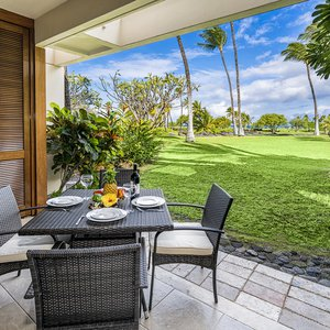 Lanai offers lagoon & ocean views