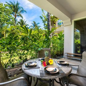 Private Lanai offers Outdoor Dining